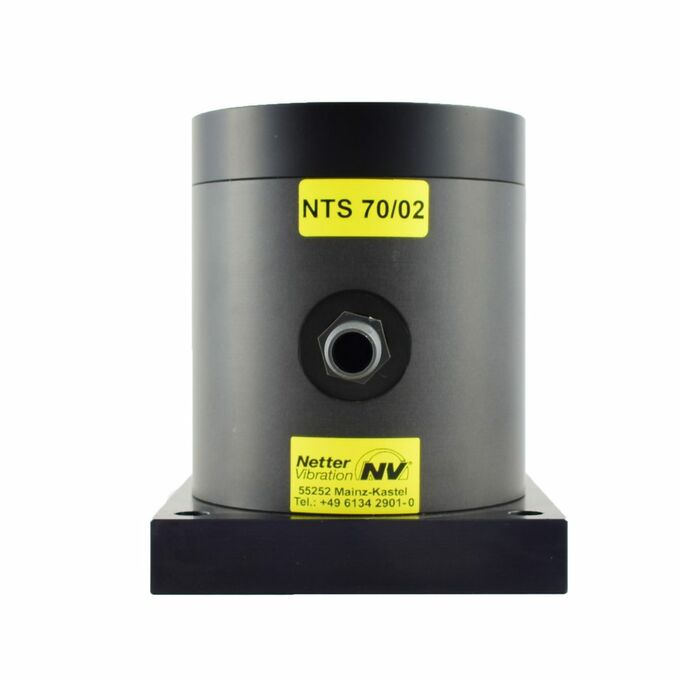 pneumatic linear vibrator NTS 70 02 by NetterVibration